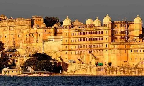 2016_365800b96c963e1udaipur-international-tourist-guide-qpr