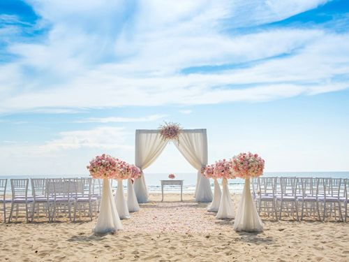 beach-destination-wedding-shutterstock-730503061